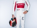 Sauber_LEC_Full-body_Frontal_with-Helmet_1arm-up_autograph
