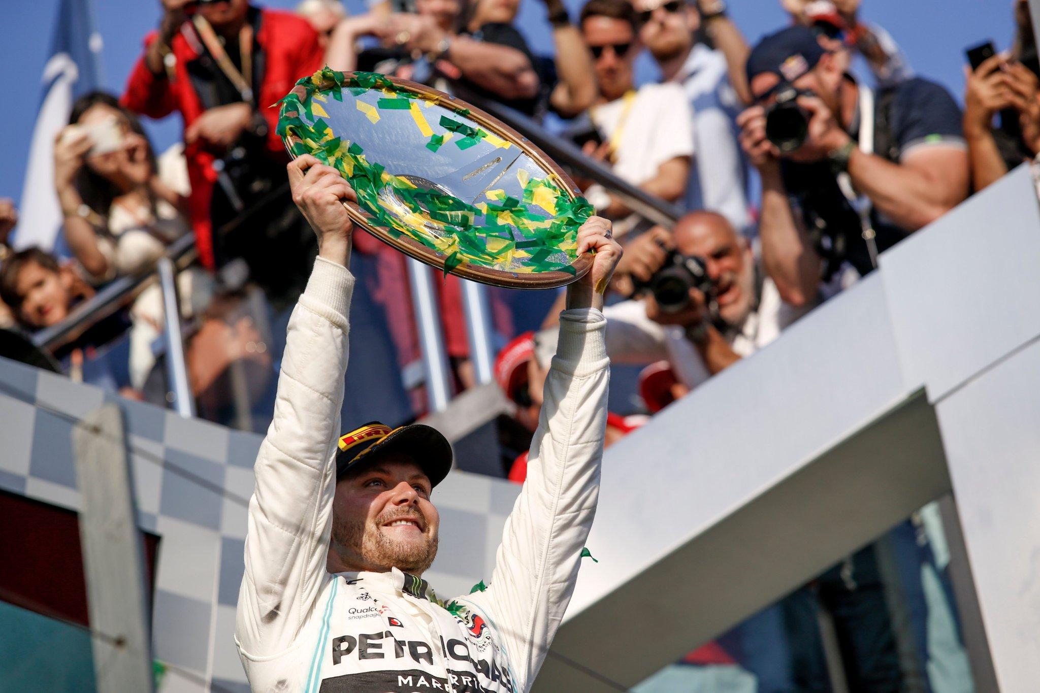 Bottas domina il Gp d'Australia. Delusione per le Ferrari