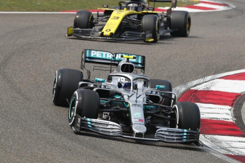 Gp Cina F1, FP3: miglior tempo per Bottas, davanti alle Ferrari (+0.4s)