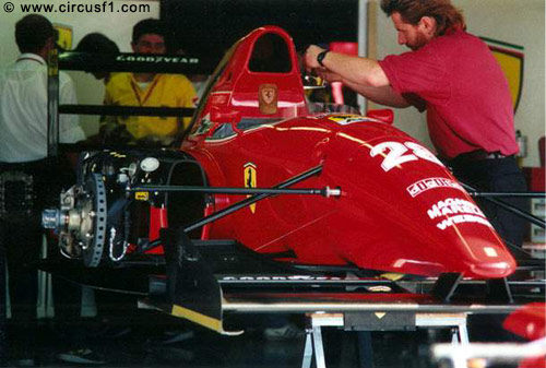 Ferrari F92A - Box, Gp d'Italia F1 (Monza) - Foto: CircusF1.com