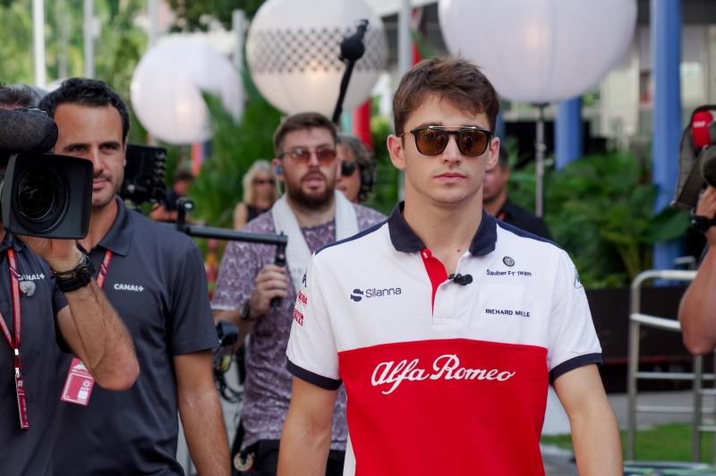 F1 Gp Singapore, Libere 1: Ricciardo e Verstappen davanti, Vettel 3°