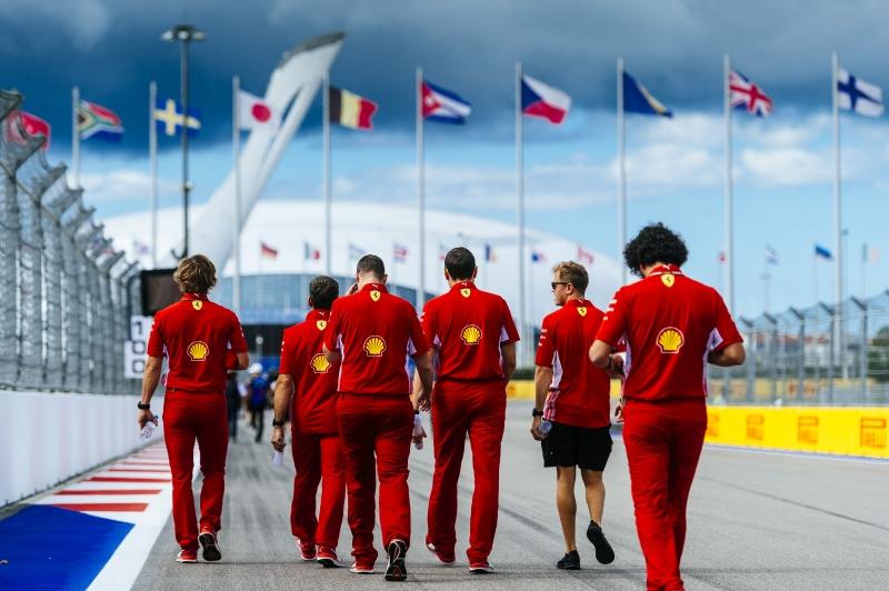 F1, Vettel indietro ma non si arrende: