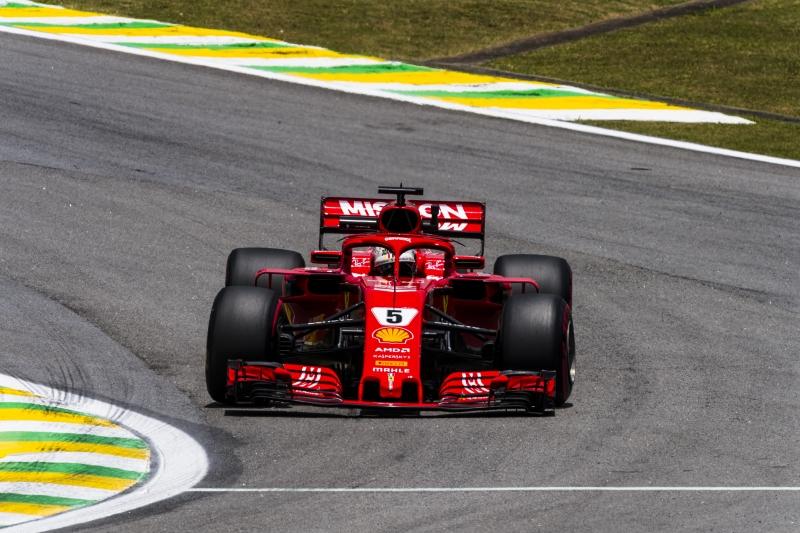 F1, GP Brasile: Hamilton in Pole su Vettel, ma che pasticcio FIA!