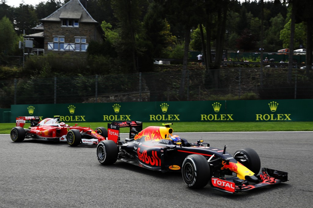 Ferrari F1 vs Red Bull