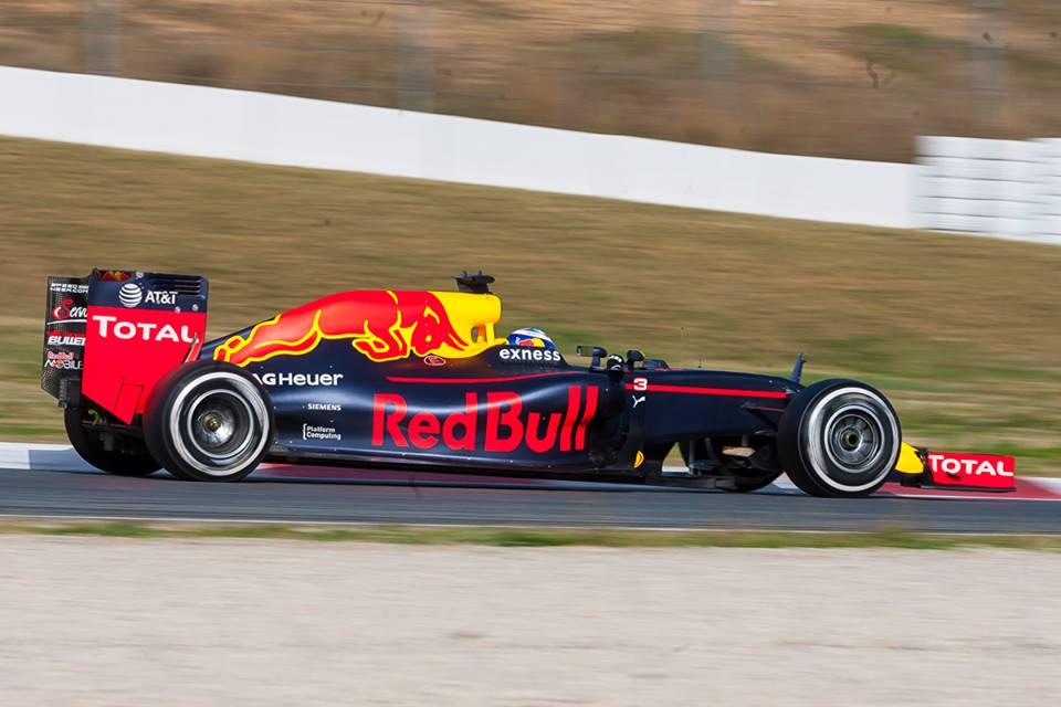 La Red Bull Racing F1 2016 in azione nei test di Barcellona - Foto: Federico Basile