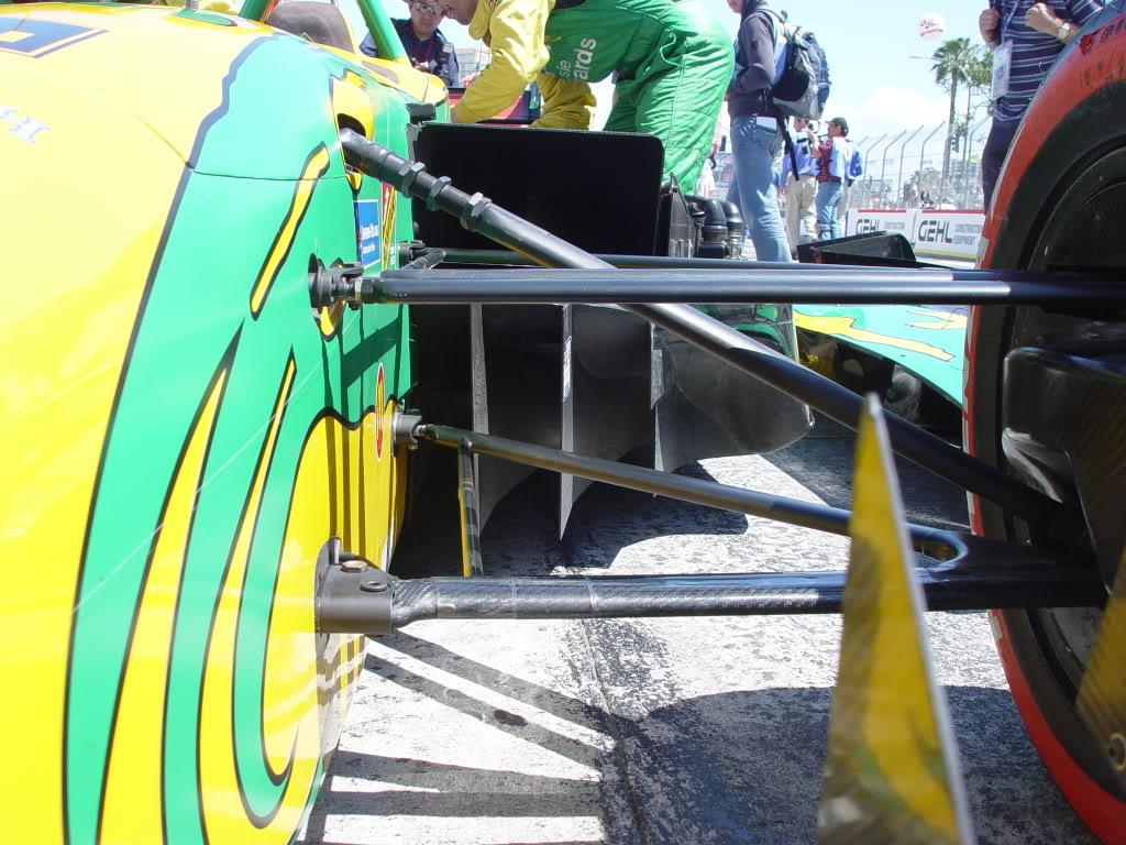 FOTO 3 wing car