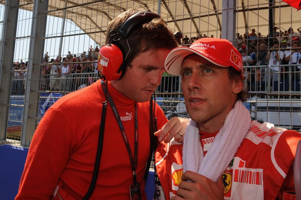 2009, Gp Europa F1 | Luca Badoer con Rob Smedley