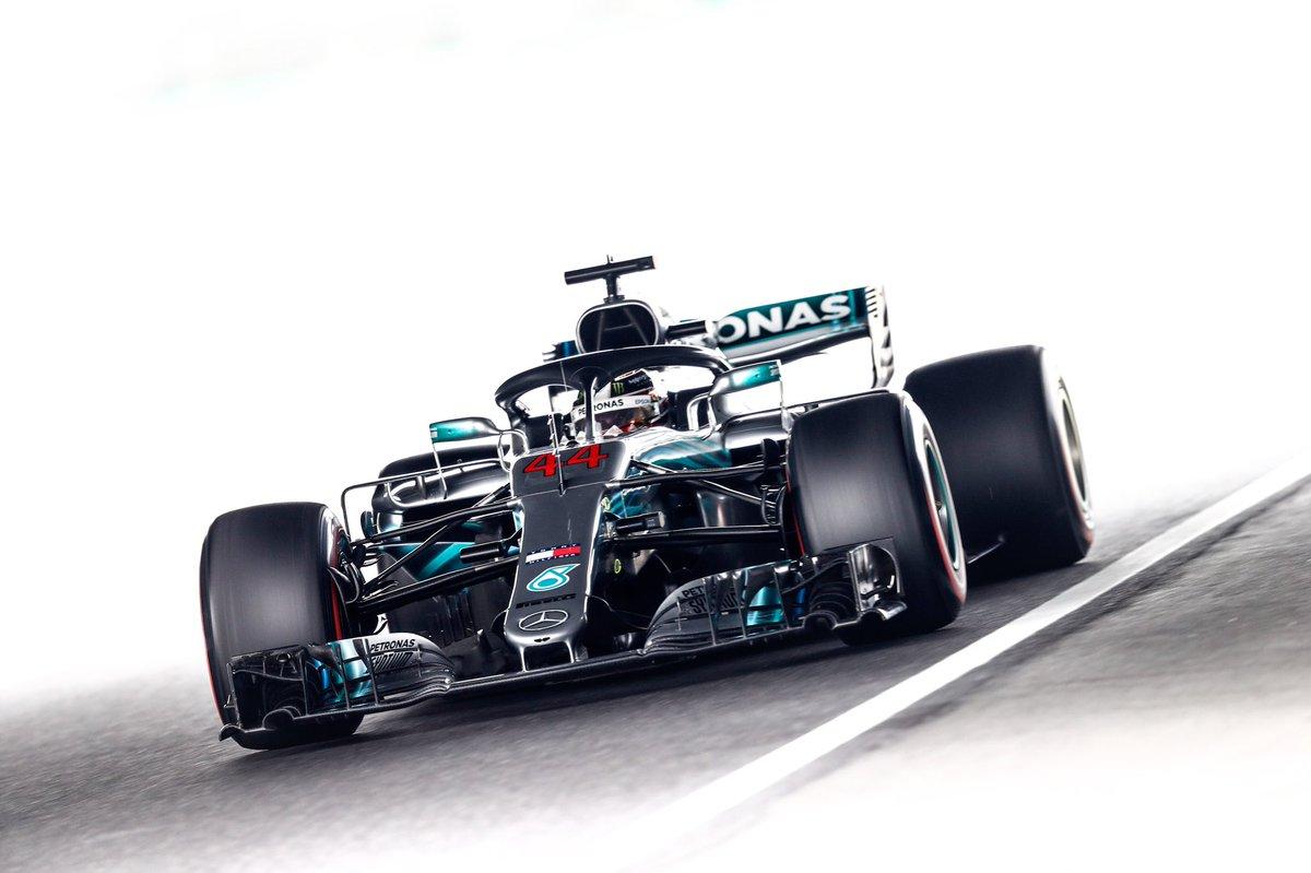 GP Giappone F1: Hamilton in pole e disastro Ferrari, Vettel è solo nono